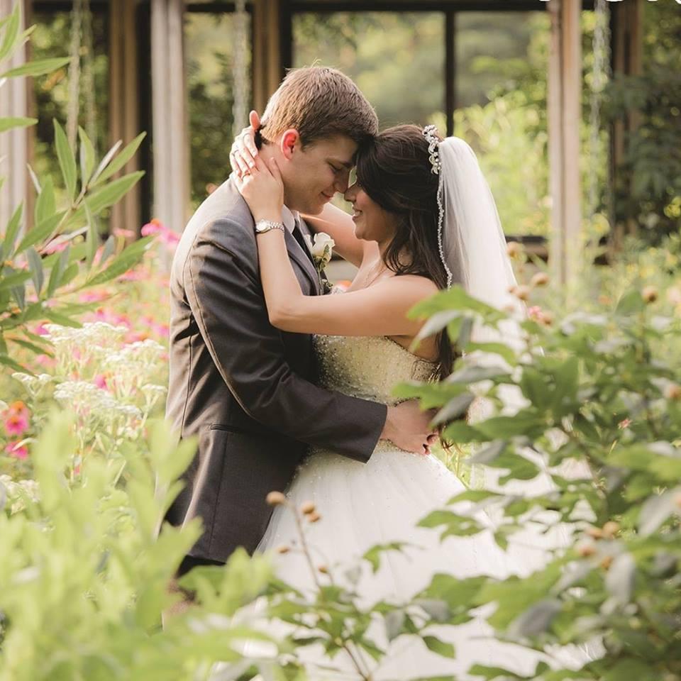 simple weddings botanical garden of the ozarks