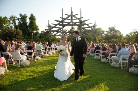 w botanical-garden-of-the-ozarks-wedding-josh-taylor-324-eugene grace