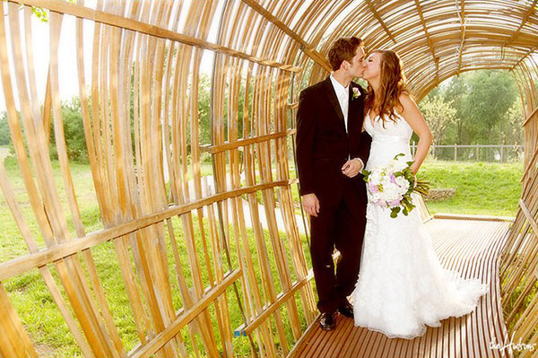 Simple wedding ceremonies at Botanical Garden of the Ozarks